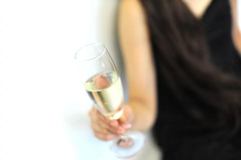 女性も飲みすぎで脳卒中の発症リスクが増加