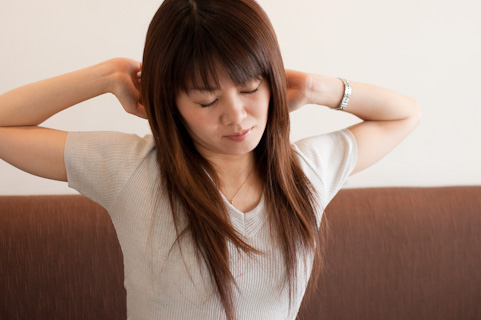 お腹周りダイエットに腹筋運動は意味ナシ
