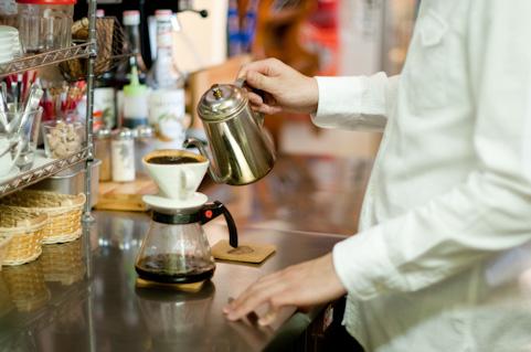 美味しいドリップコーヒーはお湯の注ぎ方で決まる