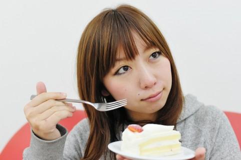 中性脂肪の数値を上げてしまう「早食い」に注意