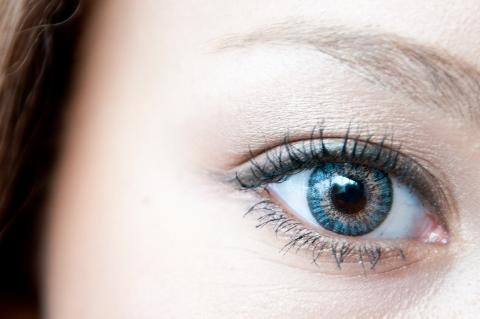 eye (480x319)
