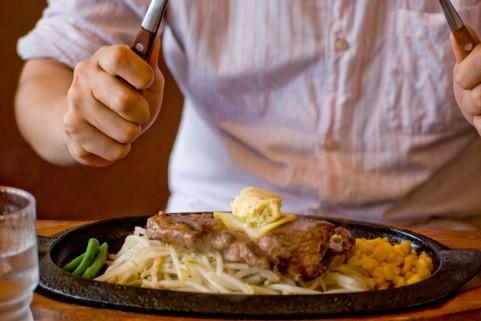 筋トレ前の食事は3時間前がベストタイミング
