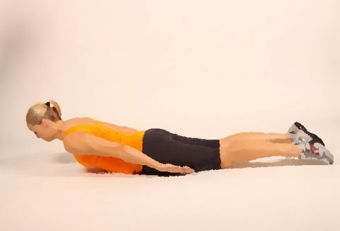 ピラティスの「背筋運動」は空中を飛ぶイメージ