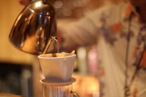 コーヒーの香りは人を慈悲深くさせる