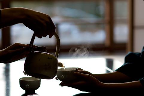 ほうじ茶の効能は緑茶よりも高いリラックス効果