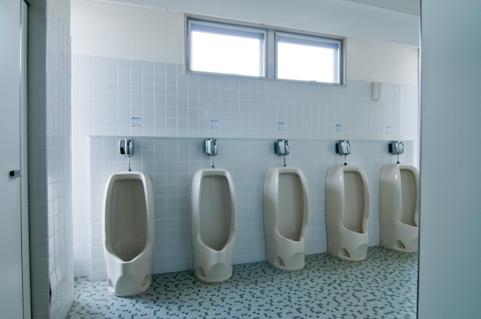 血圧が高い人はトイレを我慢しちゃダメだった