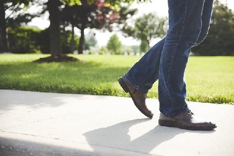 腸腰筋の筋トレが簡単!歩幅1.5倍ウォーク