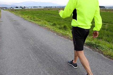 仙腸関節をストレッチしながら歩いて腰痛が改善